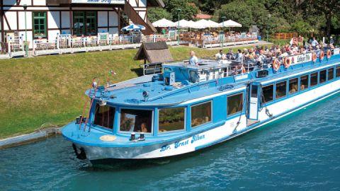 Fahrgastschiff auf dem Plauer See, Mecklenburgische Seenplatte